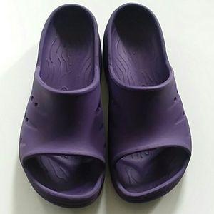 L.L. Bean Rubber Slip On Croc Style Shoes Sandals